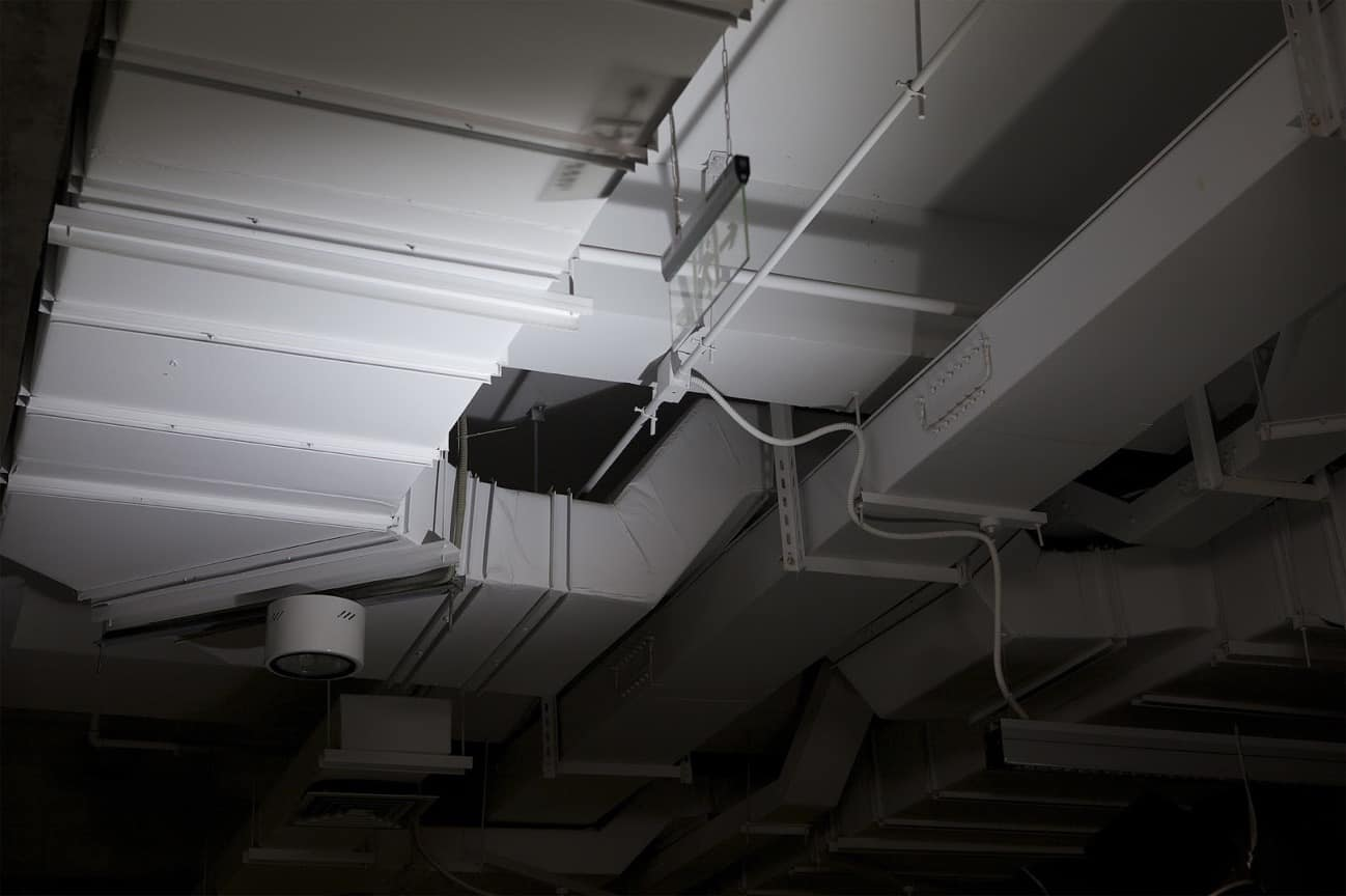 Overhead air ducts